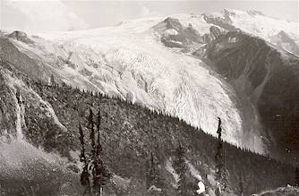 Illecillewaet Glacier (Great Glacier), circa 1898. Photo Credit: Parks Canada Collection.